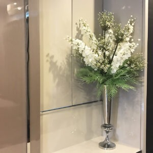 VFL0015 / Foxtail palm Flowers with Vase