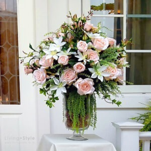 VFL0027 / Pink Rose with White Cornflowers in Vase
