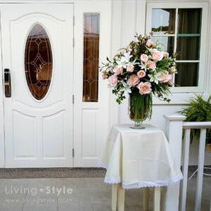 กุหลาบเจนนีสีชมพูอ่อน แซมดอกคอนฟาวเวอร์สีขาว 2